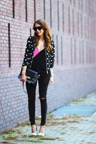 preppy fashionist blogger sunglasses top jeans shoes bag