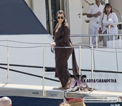 dress,kim kardashian,kardashians,greece,mykonos,sunglasses,shoes