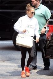 sweater,sweatshirt,jennifer lopez,leggings