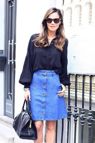 lady addict blogger denim skirt blouse wayfarer leather bag