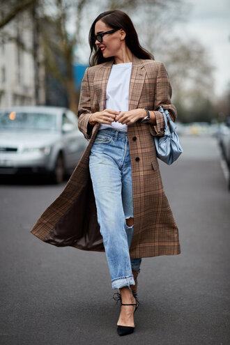 coat top jeans pumps fashion week london fashion week 2018 streetstyle spring outfits blogger shoes