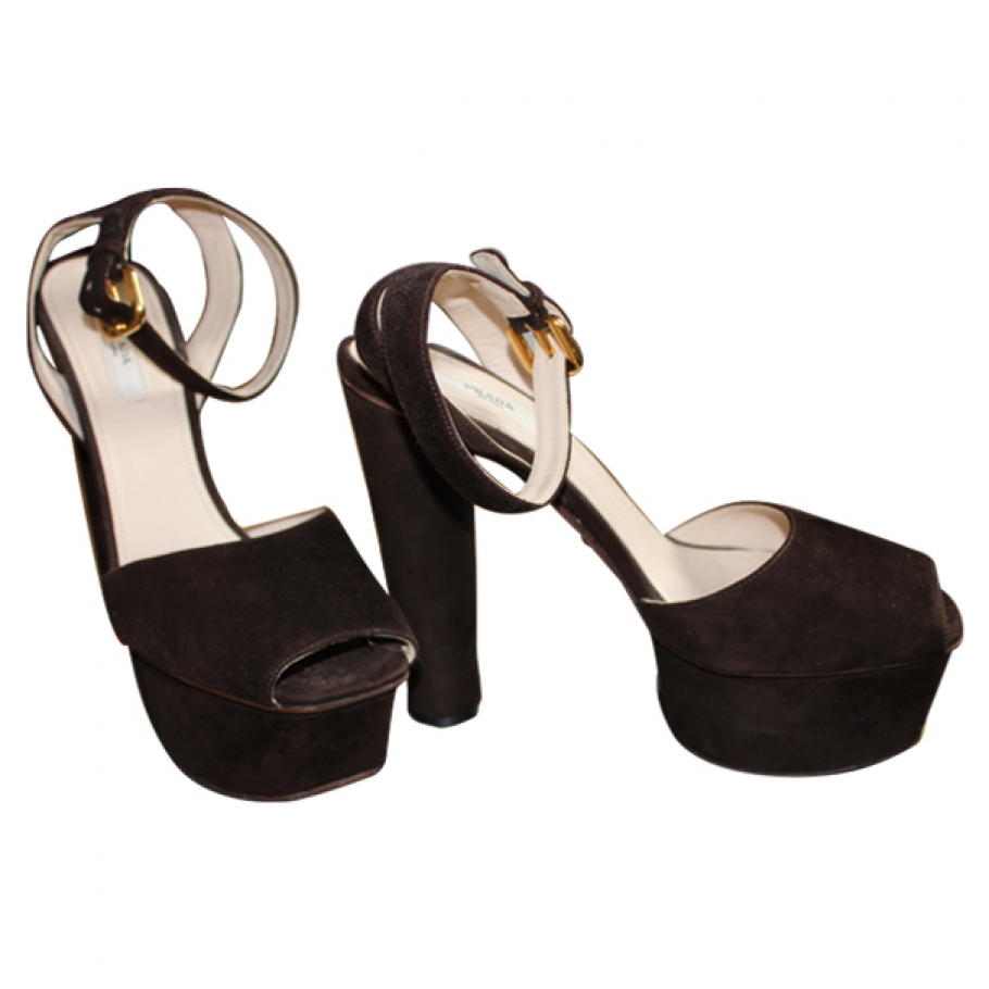 High heels shoes prada brown size 38,5 eu in leather spring / summer