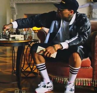 shoes chris brown ayo nike socks