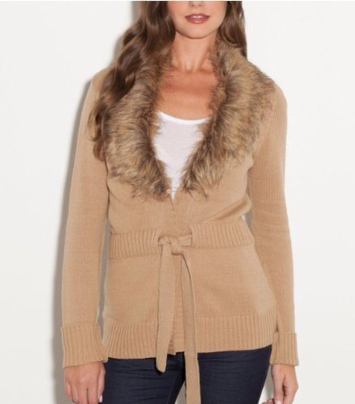 jacket vest shirt fur vest coat fur faux fur jacket faux fur coat fur coat fur jacket sexy sweater white t-shirt
