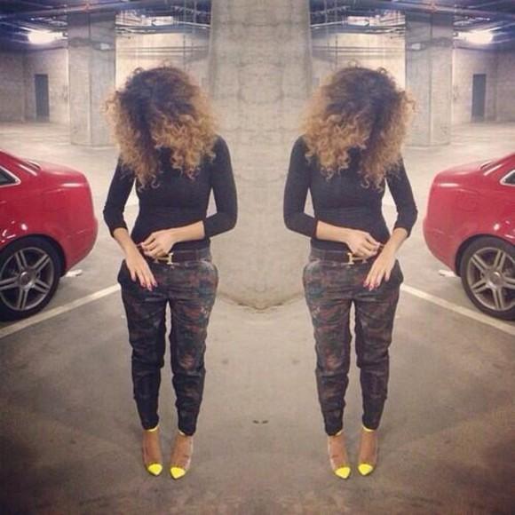 cute fashion t-shirt pants high heels 😘 beautiful killer black shirt
