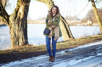 a piece of anna blogger parka winter coat coat bag shoes jeans sweater scarf