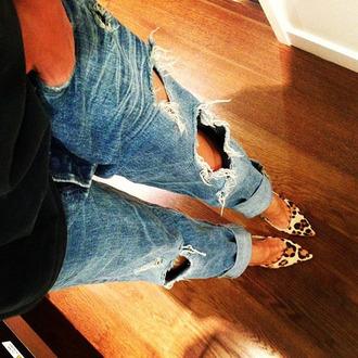 jeans ripped boyfriend jeans shoes