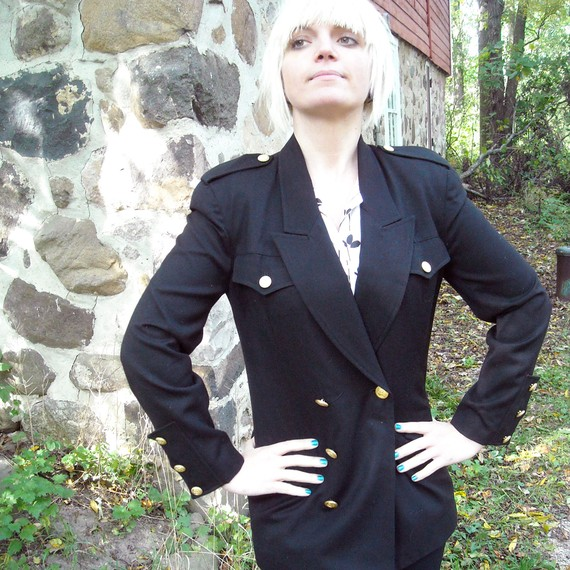 Vintage 1980s black wool power blazer by vicmizzy on etsy