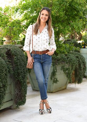 jeans blouse sandals spring outfits jessica alba top shirt shoes platform sandals