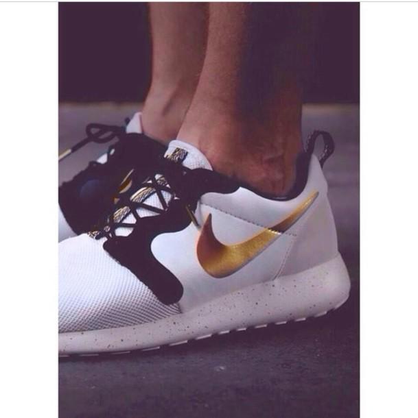 huge discount 91120 d9ba0 shoes nike running shoes nike sneakers nike roshe run nike white black gold  nike check gold