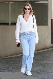 sweater,denim,jeans,streetstyle,fall outfits,casual,sofia richie,celebrity