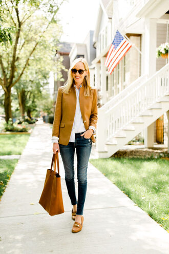 kelly in the city - a preppy chicago life style and fashion blog blogger jacket jeans bag shoes loafers blazer tote bag