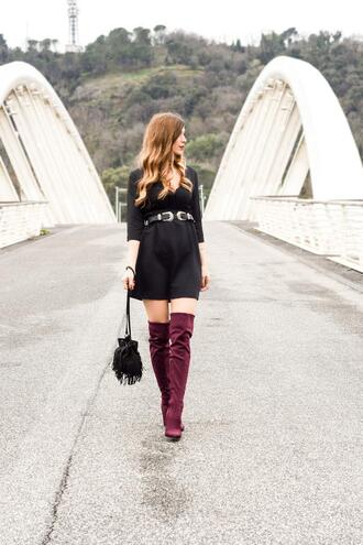 cosamimetto blogger dress belt shoes bag jewels boots over the knee boots mini dress spring outfits fringed bag