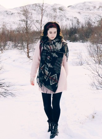 like a riot blogger tights sweater shoes scarf jewels