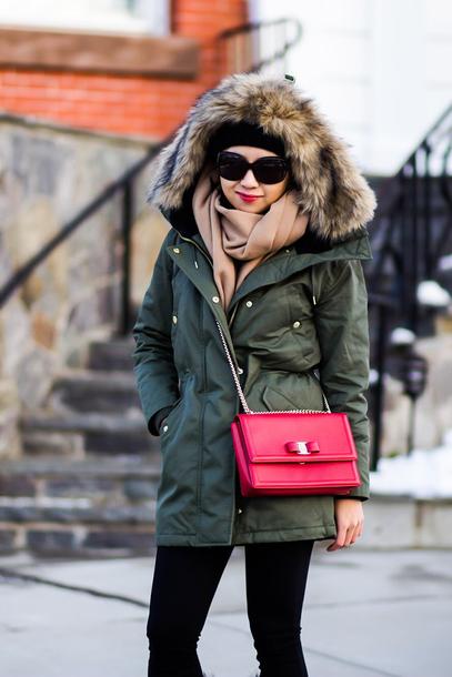 fastfood&fastfashion blogger coat hat scarf bag make-up leggings shoes