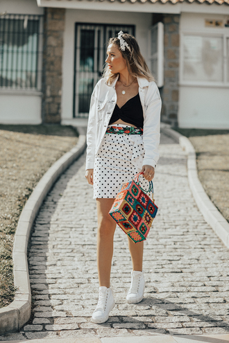 mi aventura con la moda blogger skirt top jacket shoes bag sneakers denim jacket spring outfits
