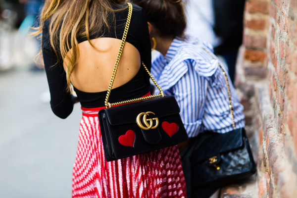 gucci bags with ladies