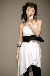 dress,clothes,white,black,korean fashion,strapless dress,asymmetrical