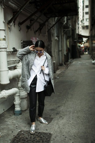 la vagabond dame blogger sunglasses white shirt grey coat silver shoes leather pants winter outfits shirt bag
