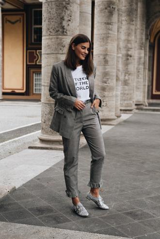 jacket tumblr grey blazer blazer t-shirt white t-shirt quote on it pants grey pants shoes silver shoes metallic metallic shoes