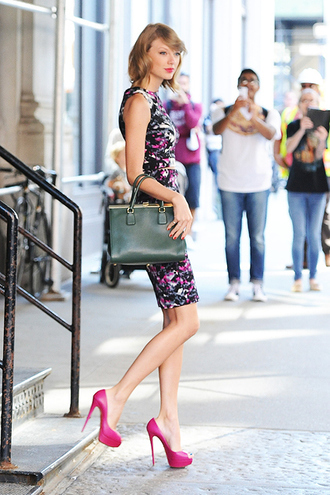 dress taylor swift platform shoes bag wavy hair