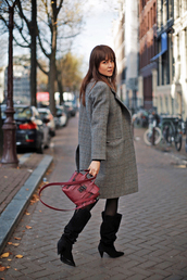 shoes,tumblr,boots,black boots,coat,grey coat,bag,red bag,slouchy boots