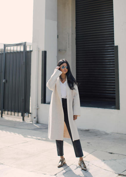 cardigan tumblr white cardigan t-shirt white t-shirt denim jeans black jeans cropped jeans shoes silver shoes sunglasses