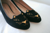 shoes,cats,black,gold,flats,smoking slippers,french girl style