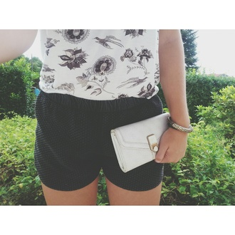 t-shirt short floral pocket summer outfits lifestyle casual classy beach holidays sun chillax ootd forever 21 mango guess