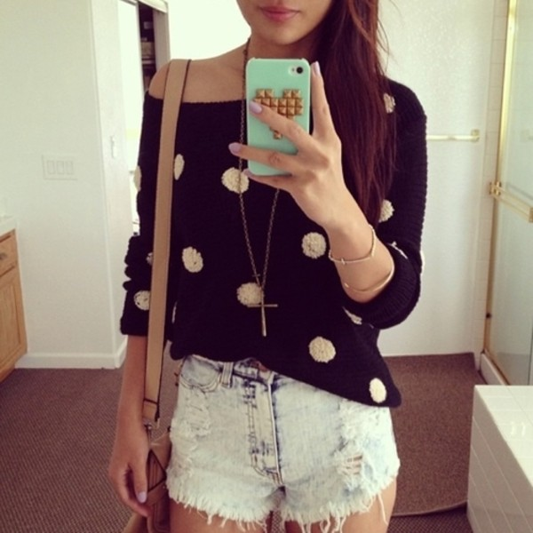 sweater shirt black white girl shorts oversized sweater polka dots jacket polka dots sweatshirt black and white bag top coat look inverno