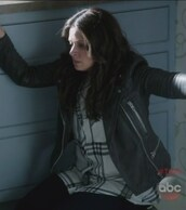 jacket,cargo pants,biker,leather,plaid,shirt,black and white,scandal,quinn perkins,katie lowes