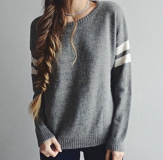 sweater winter sweater grey sweater grey top grey top brandy melville brandy melville usa winter outfits winter outerwear jewels silver jewelry necklace chain silver