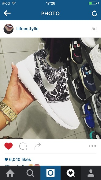 shoes white trainers nike black fashionista fall outfits winter outfits summer spring tumblr