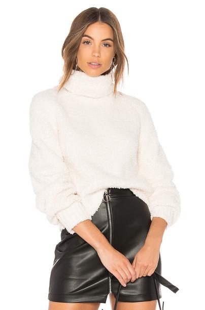 John & Jenn by Line sweater white