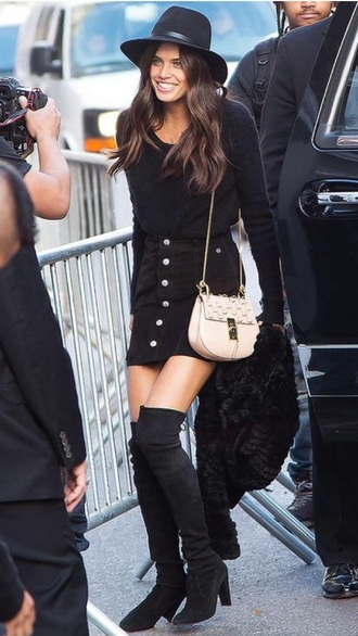 skirt button up skirt sara sampaio black jumper over the knee boots suede boots black skirt