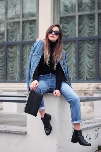 fashion quite blogger jeans sunglasses denim jacket pouch denim black boots minimalist
