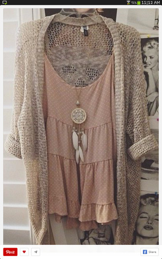blouse dress pink dress shirt light pink polka dot shirt sweater neckalces and dress necklace cardigan top dreamcatcher necklace earphones jewels tank top winter outfits jewelry dreamcatcher gold necklace boho boho jewelry bohemian