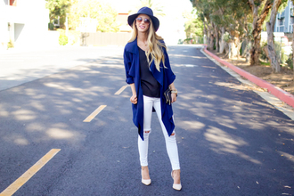 happily howards blogger blue coat white ripped jeans