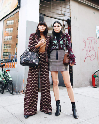 skirt printed top tumblr streetstyle mini skirt grey skirt pants wide-leg pants blazer bag top boots black boots ankle boots fall outfits