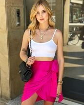 skirt,short skirt,pink skirt,topc,crop tops,white top,bag,black bag,necklace,accessories