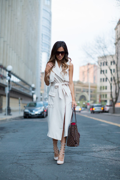 a63c0b0d947 maria vizuete mia mia mine blogger coat white coat sleeveless coat louis  vuitton louis vuitton bag