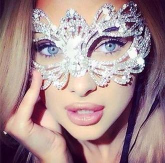 jewels sparkling