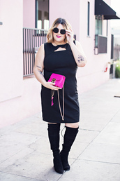 dress,plus size dress,mini bag,curvy,plus size,black dress,mini dress,boots,sleeveless,sleeveless dress,over the knee boots,over the knee,black boots,bag,pink bag,sunglasses,black sunglasses
