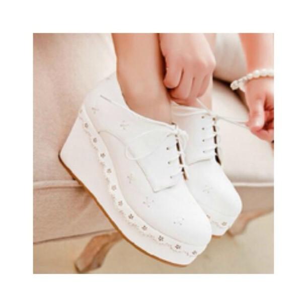 shoes kawaī shoes white shoes platform shoes