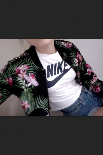 jacket floral shirt t-shirt shorts top nike bomber jacket sweater flowers black hipster retro jungle white pink green tumblr cropped basic not jacket green jacket flowered palm tree print tropical