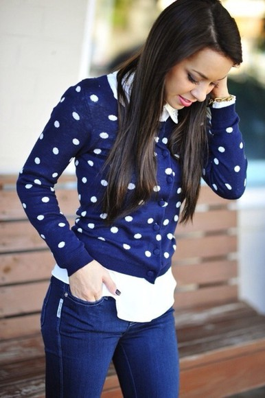 jeans white blouse cardigan poka dots buckel
