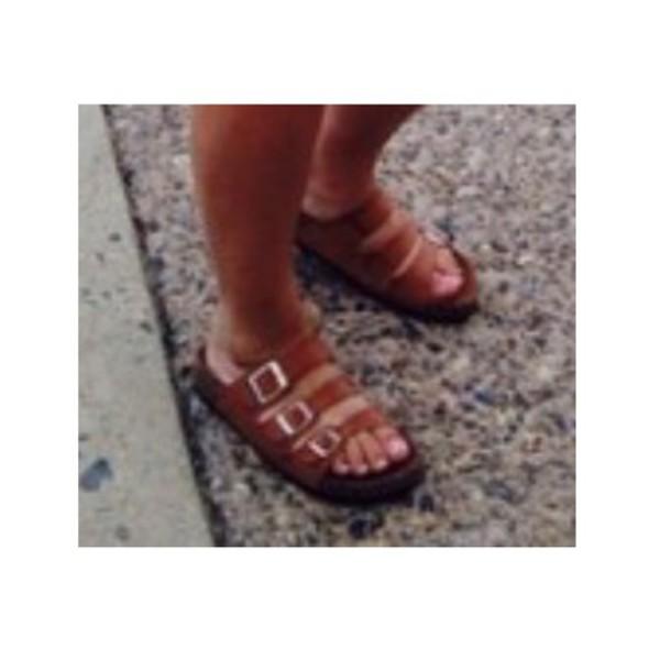 shoes tan straps flip-flops summer shoes
