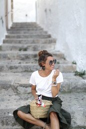 b a r t a b a c,blogger,t-shirt,skirt,shoes,bag,jewels,sunglasses,white t-shirt,midi skirt,green skirt,basket bag