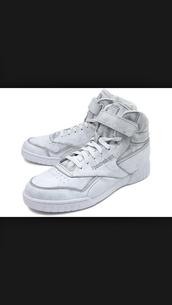 shoes,rebok,high tops,sneakers,streetwear
