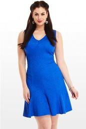 dress,chloe marshall,model,curvy,plus size,blue dress,short dress,earrings,brunette